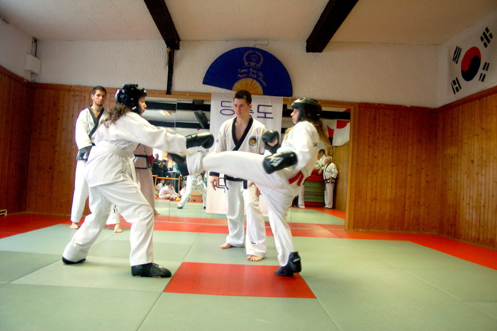 Tang_Soo_Do-Vereinsmeisterschaft_2014-Sparring1