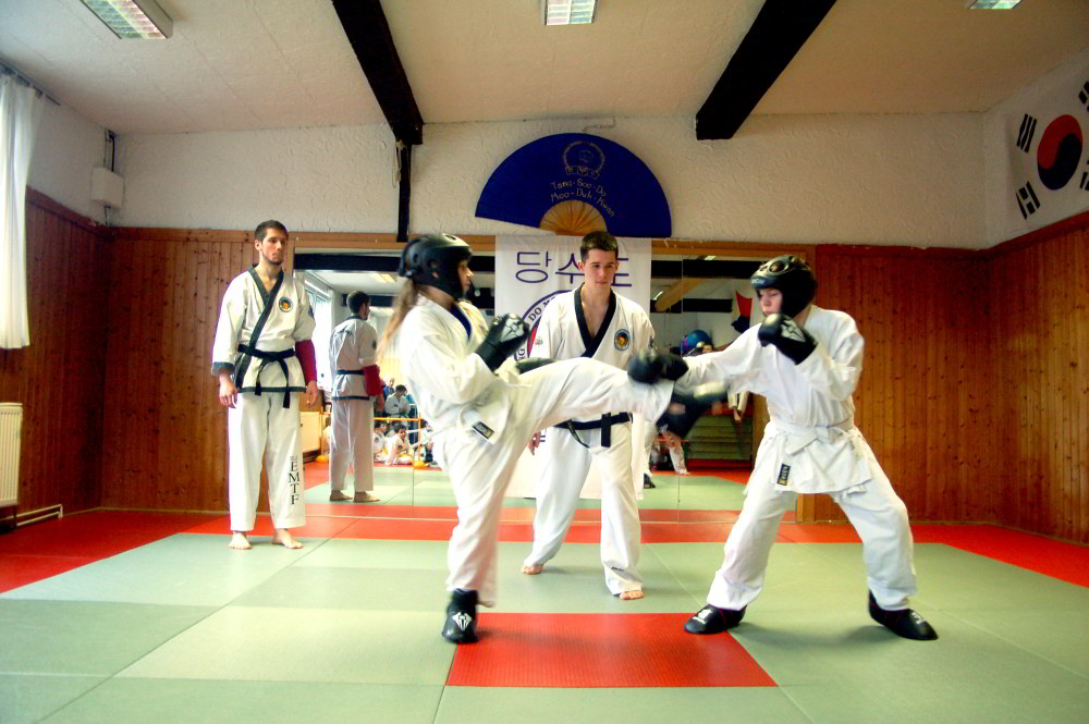Tang_Soo_Do-Vereinsmeisterschaft_2014-Sparring2